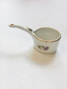 Adorable casserole miniature en porcelaine et céramique