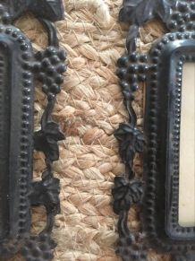 Deux cadres bordure métal style art nouveau.
