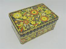 Boîte vintage en métal