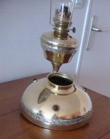"""LAMPE A PETROLE  """"LA PARISIENNE"""""""