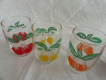 Série 3 verres vintage décors fruits