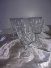 3 verres à vin en cristal ciselé