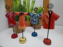 Lot de 4 figurines porte photos en bois peint