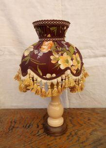 Jolie lampe à poser rétro avec abat jour en tissu