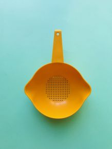 PASSOIRE JAUNE ORANGE TUPPERWARE 70S