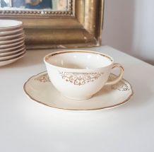 Villeroy et Boch service à thé huit tasses, soucoupes, pot à
