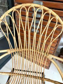 Ancien fauteuil rotin pieds métal vintage