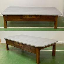 Table basse du début XXème en sapin, plateau peint en gris