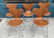 """5 chaises """"serie 7""""  Arne Jacobsen"""