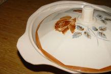 Soupière ou légumier vintage à motif de rose