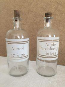 Lot de 2 flacons d'apothicaire - Alcool et acide