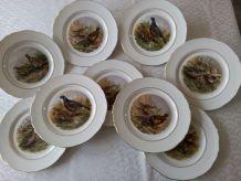 """9 assiettes plates Porcelaine de LIMOGES Modèle """" Chasse """""""