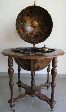 Globe apéritif mappemonde vintage Italie mythologie