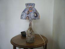 Lampe  bouteille verre et abat-jour travail artisanal