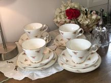 4 Tasses anglaises (trio)  - Anciennes