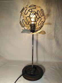 Lampe industrielle/lampe metal/detournement d'objet