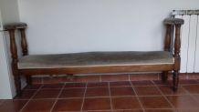 Banc ancien en bois et tissu