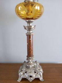Grande lampe à pétrole . Fin XIXème siècle