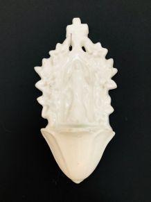 Bénitier en porcelaine