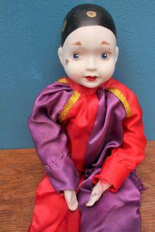 poupée en porcelaine pierrot année 70-80