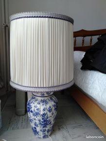 Lampe vintage avec pied en porcelaine