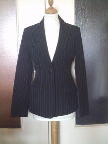Veste noir à rayure taillle 36  femme marque R