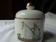 boite en porcelaine de Paris