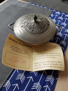 Bonbonnière en Etain avec certificat