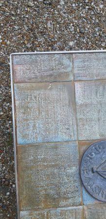 Table basse acier chromé et carreaux céramique