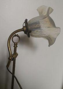 Ancienne lampe style Art Déco en laiton et tulipe