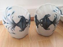Porte savon + 2 patères en porcelaine