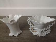 Petits vases en porcelaine