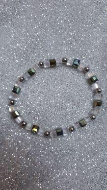 (B6) bracelet cubes perles de verre grises