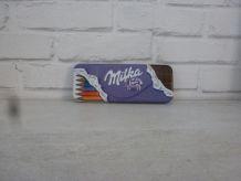 Plumier en métal Milka