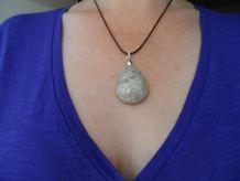 Pendentif pierre Corail fossilisé