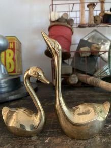 Duo de 2 cygnes ou canards en laiton vintage