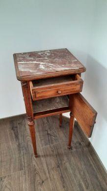 Table de chevet bois et marbre rose