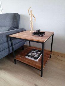Table coin de canapé style industriel