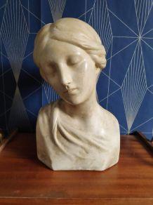 buste vierge aux yeux fermés en plâtre  style Donatello