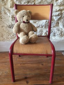 Chaise d'enfant, petit écolier