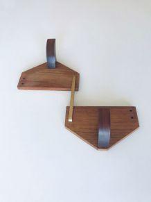 Patère design en bois et laiton