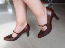 Escarpins en cuir marron JB Martin vintage