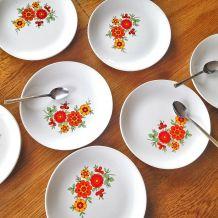 Lot de 7 assiettes à dessert vintage en porcelaine