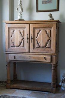Meuble en chêne massif 2 portes + 1 tiroir