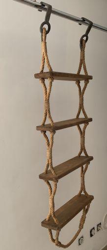 Echelle ancienne de marine corde et bois à 4 marches