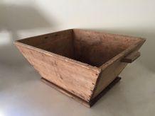 Ancien baquet, caisse en bois