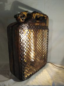 Lampe jerrican vintage/lampe industrielle/detournement