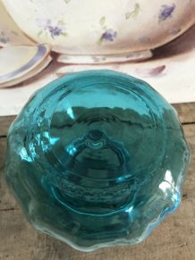 Vase en verre bleu turquoise