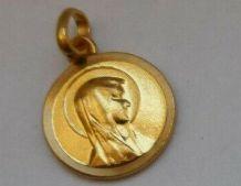 pendentif petite médaille dorée Sainte Vierge Marie
