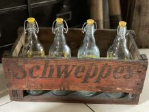 Ancienne caisse en bois Schweppes